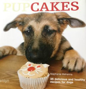 Pupcakes recipe book for dogs
